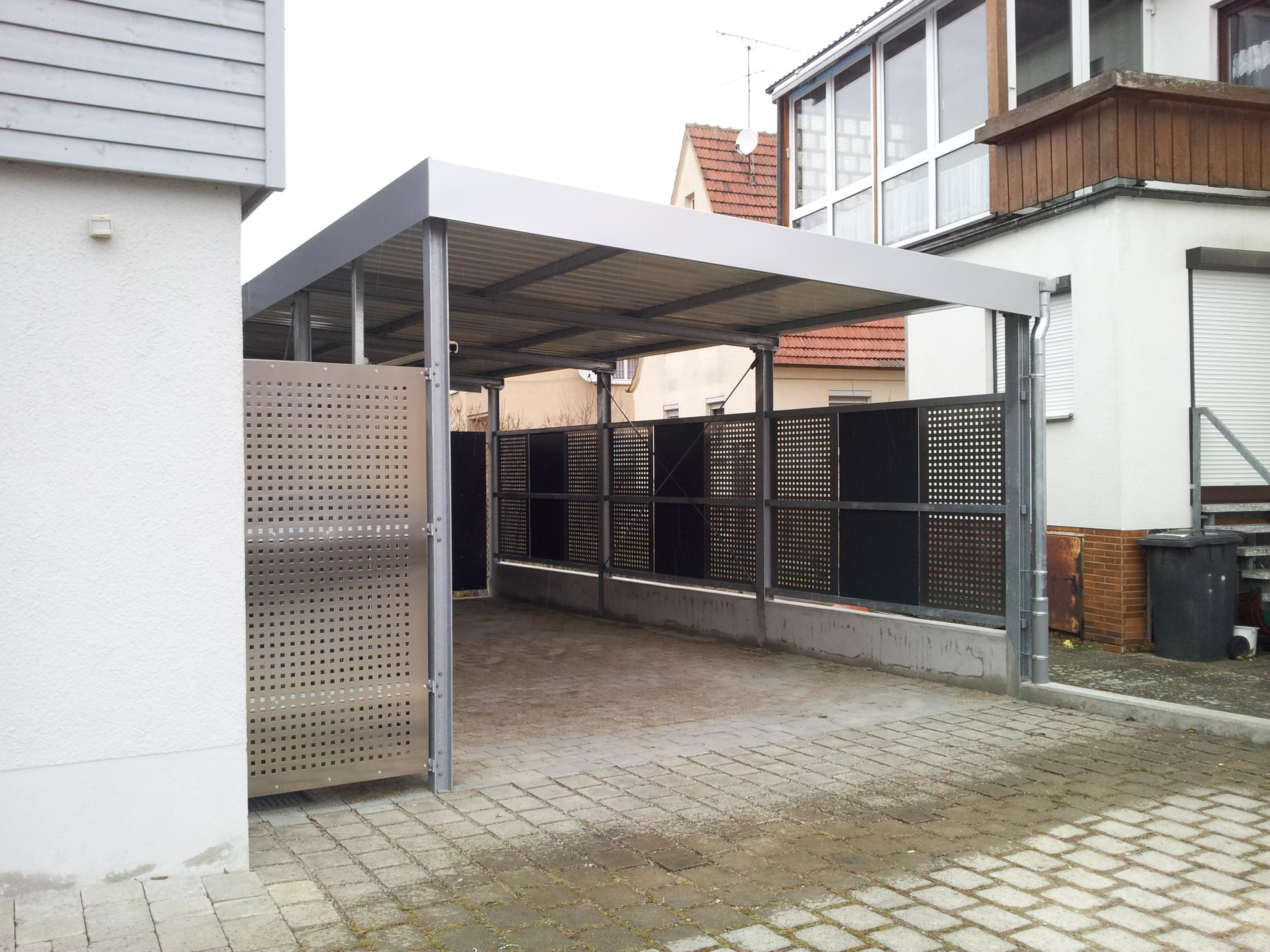 carport mit abstellraum lochblechverkleidung stahlbau n gele. Black Bedroom Furniture Sets. Home Design Ideas