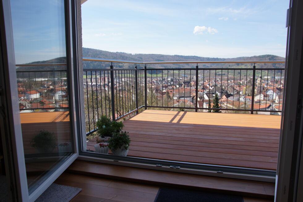 Schlosserarbeiten-Metallbauarbeiten-Balkon-Anbau-Geländer-Stahlbau-Schlosser- und Metallbauarbeiten
